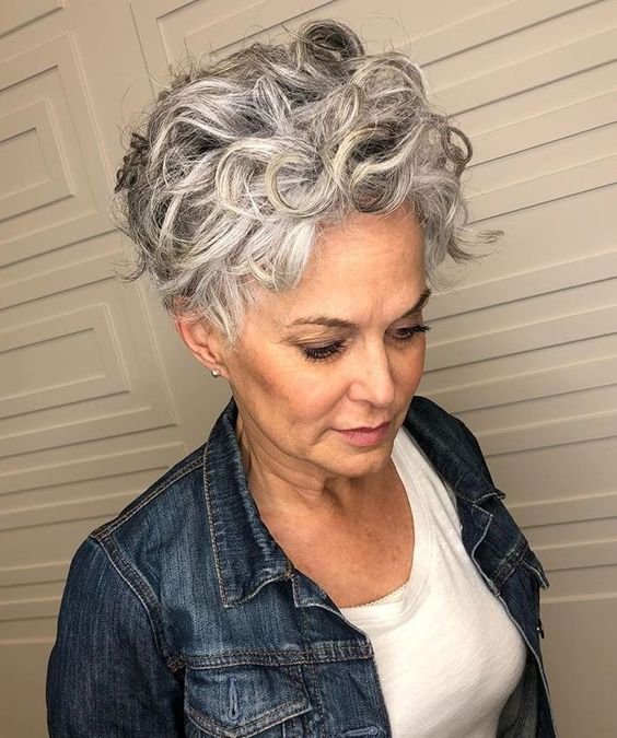 grey curly hairstyle 8