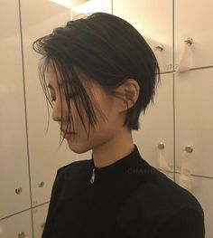 14 Gorgeous Asian Pixie Haircuts that Easy to Maintain 9e6b7e2fcc9b9f43d67ebc60c88255a7