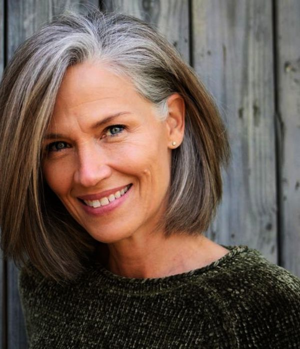 81 Beautiful Short Hairstyles for Women Over 60 (Updated 2021) 323997c8616230201a9f7d2fcd618f44