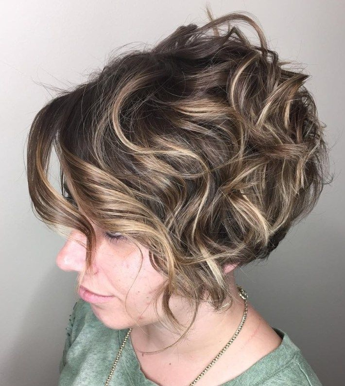 100 Short Haircut Styles for Over 50 Women in 2021 44faf361077c81ba04f2d322cf671868
