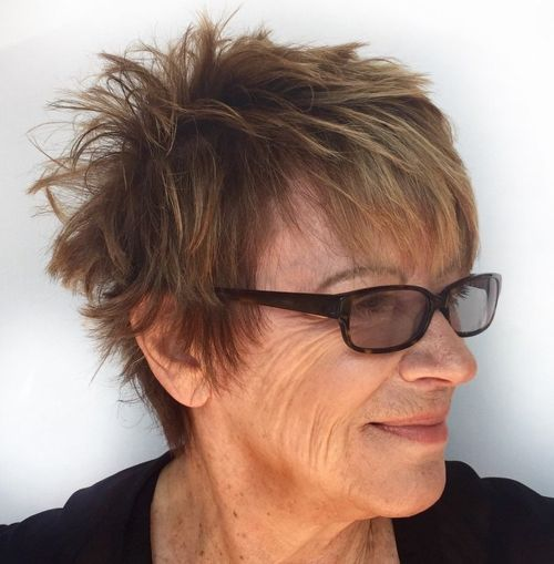 56 Short Hairstyles for Women Over 60 with Glasses (Updated 2021) 92748d9b5430893ac5e91121381a7ded