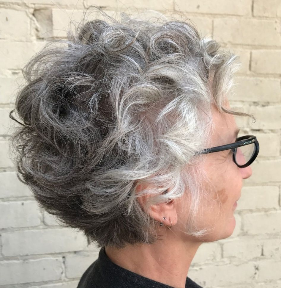 81 Beautiful Short Hairstyles for Women Over 60 (Updated 2021) a6d0045d96efe6bdc64257a27ff1bdbd