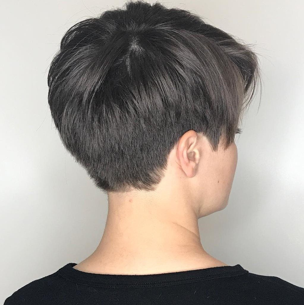 17 Tapered Pixie Haircut Styles for Women Over 50 in 2021 e831ac9ca72155b848bd297d0a3bd8fd