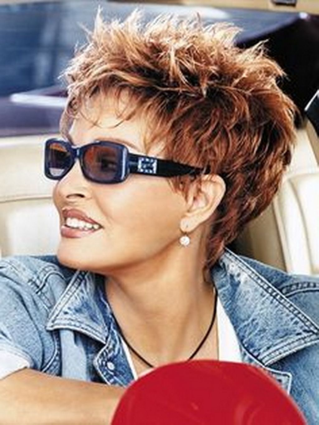 56 Short Hairstyles for Women Over 60 with Glasses (Updated 2021) e8aff4567d9896958e6d18dac84d647b