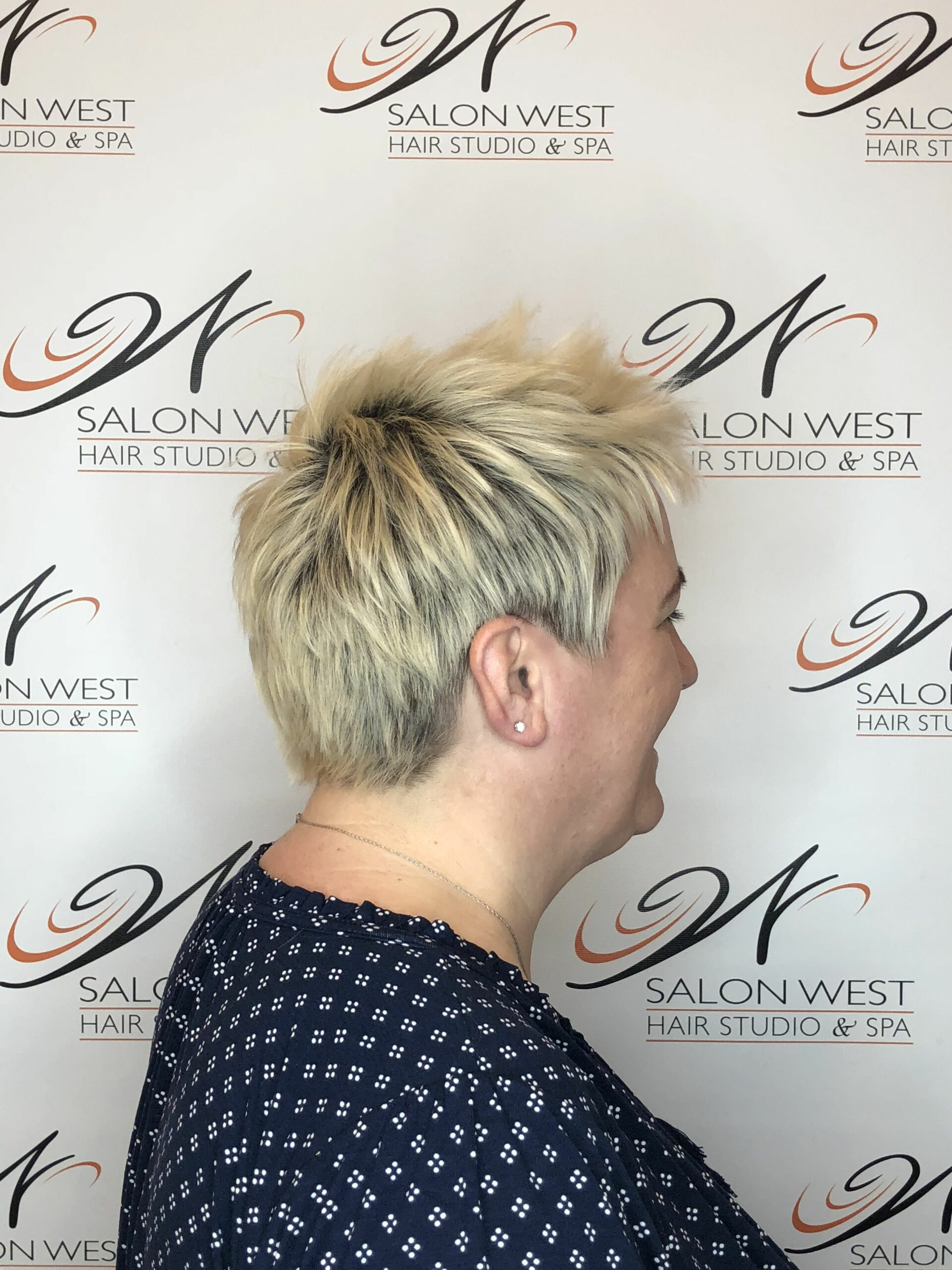 65 Pixie Haircuts for Women Over 60 (Updated 2021) 735358cfead5a4690ca39bed6a8b49f4-scaled