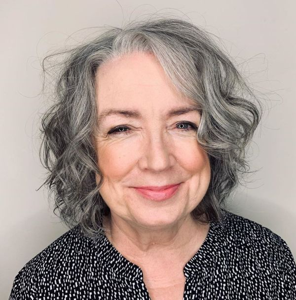 99 Cute Short Haircuts for Women Over 50 (Updated 2021) efd469f666711a90f8a5017e667591aa