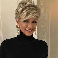 100 Short Haircut Styles for Over 60 Women in 2021 12124dbe92ad85a07e4dc30aaebca57f