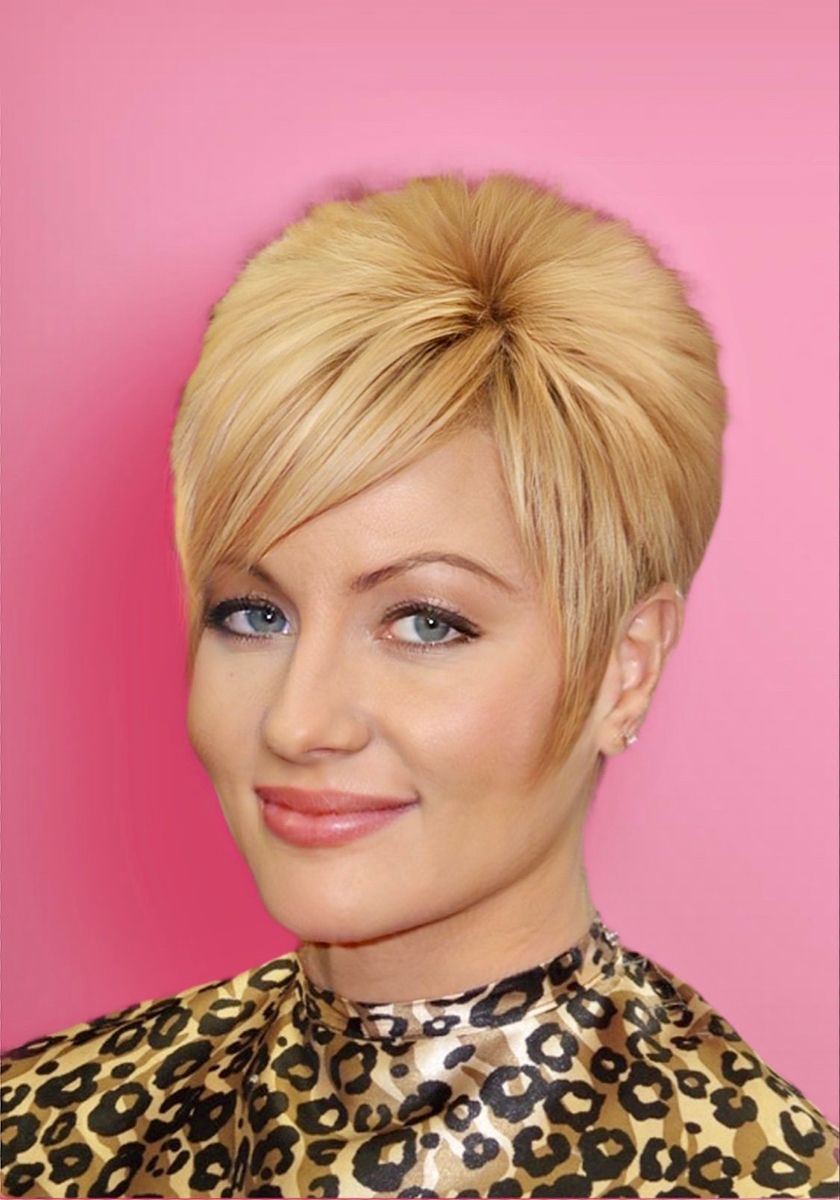 40 Professional Short Haircuts for Women Over 60 (Updated 2021) 1deb1cabcc2099174ba078351719d642
