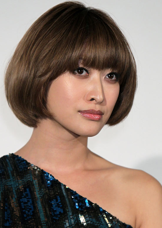 26 Gorgeous Short Hairstyles of Asian Women (Updated 2021) 226a74c52a5c9714e5cd875635dfdac5