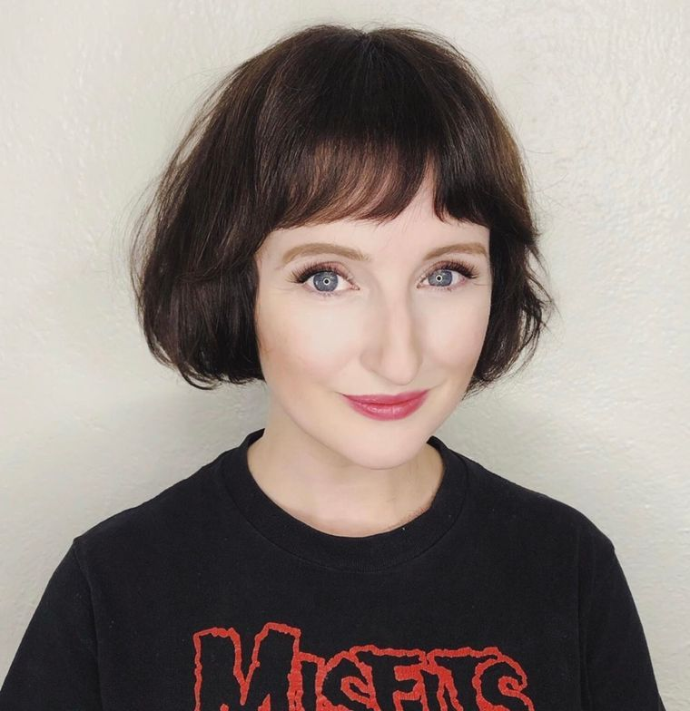 Cute Short Haircuts with Bangs that Look Awesome for Older Women