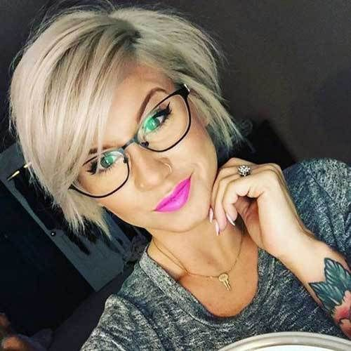 50+ Attractive Short Hairstyles for Women Over 60 (Updated 2021) 5e21ed8fce2f3ad896b84103ebc00a10