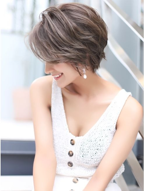 26 Gorgeous Short Hairstyles of Asian Women (Updated 2021) 869b97c4a6501322fc260ce16616aeb7