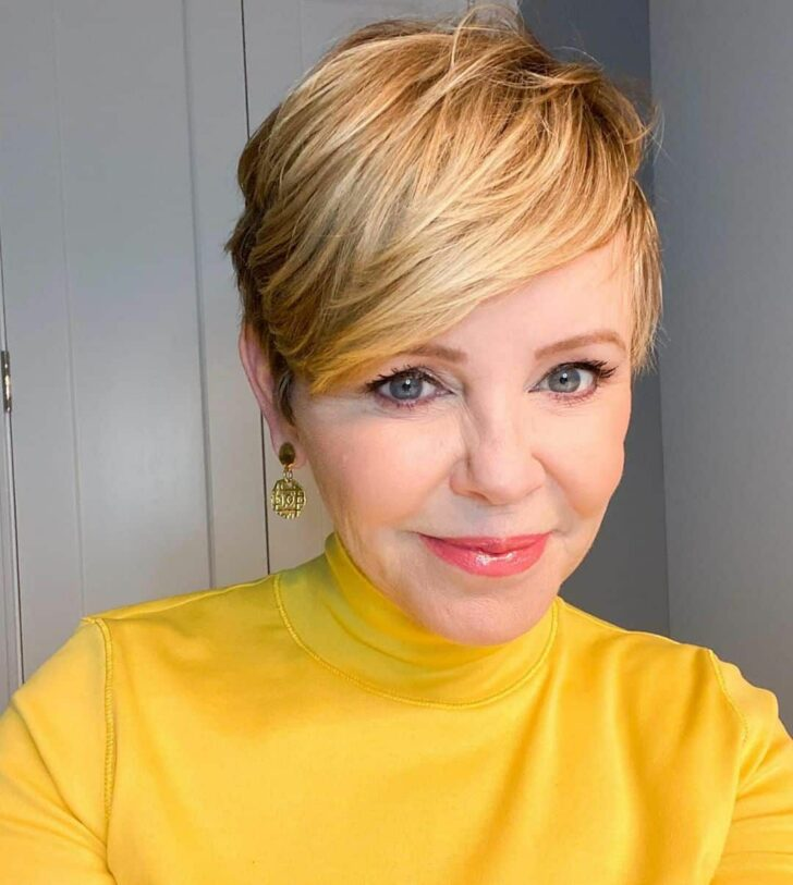 100 Short Haircut Styles for Over 60 Women in 2021
