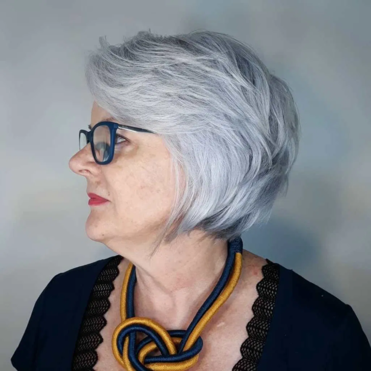 40 Pretty Short Hairstyles for Women Over 50 with Thin Hair (Update 2021)