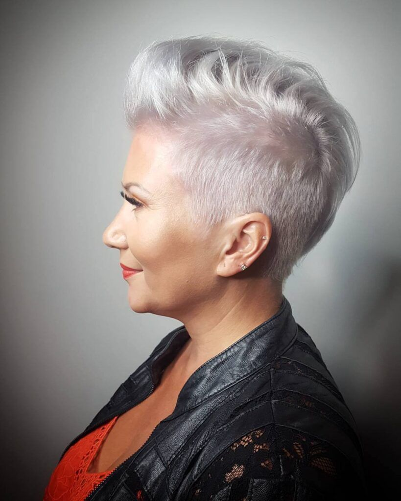 40 Pretty Short Hairstyles for Women Over 50 with Thin Hair (Update 2021) aac6131b4d938089cd0bf188d7f36cf9