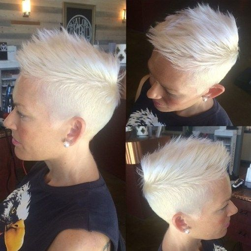 40 Pretty Short Hairstyles for Women Over 50 with Thin Hair (Update 2021) b0149bb3fb4f66bb0a6ba744457bca9f