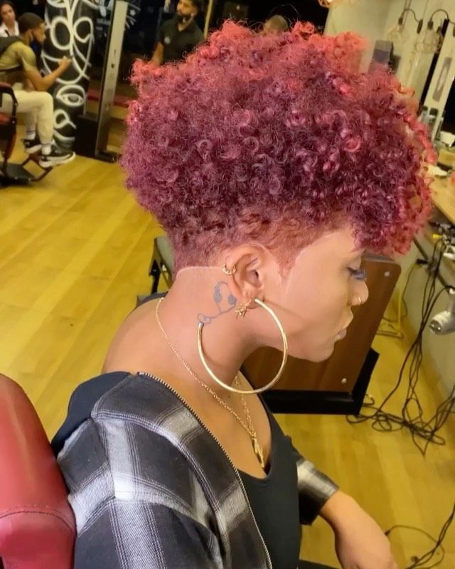 20 Easy Short Hairstyles for Older Women with Natural Hair (Updated 2021) ba9aa9527d3e0a050113334eb494d85f