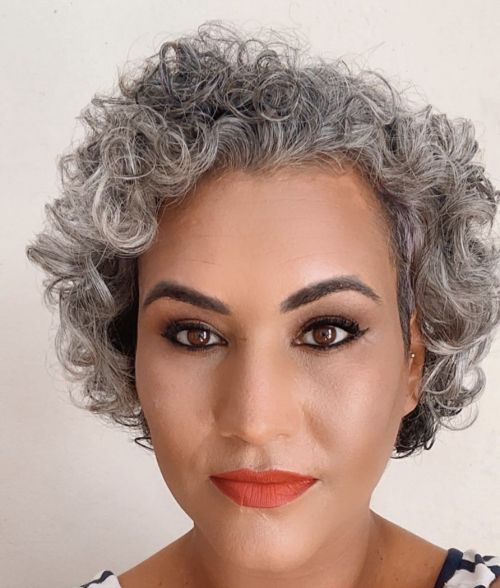 100 Short Haircut Styles for Over 60 Women in 2021 bdbe951d7bff270dc728a39c8fdc24d6