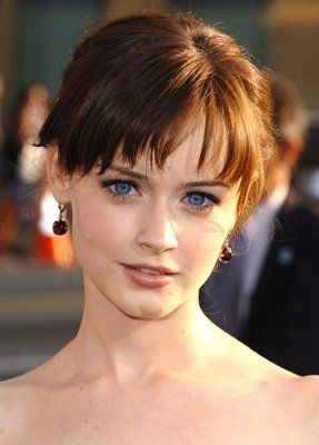 10 Fresh Looking Short Haircuts with Bangs for Older Women (Updated 2021) c106a653373df11acbc92790fa8d87e1
