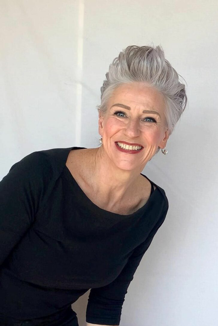 40 Professional Short Haircuts for Women Over 60 (Updated 2021)