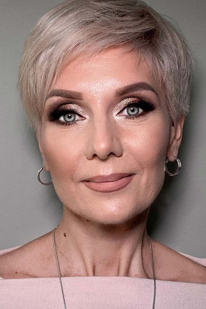 50 Cute Short Hairstyles for Women Over 60 (Updated 2021) c81a3f92ef696f70f4f3389c22890adc