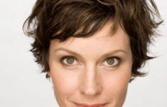 11 Types of Short Wavy Hairstyles for Women Over 50 (Updated 2021) f40e7a327e9083f94e2817e70b215b62-235x150