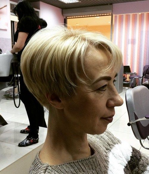Inspiring Short Hairstyles for Older Women (Updated 2021) 0564508e477bf5908e0f33bb0a444578