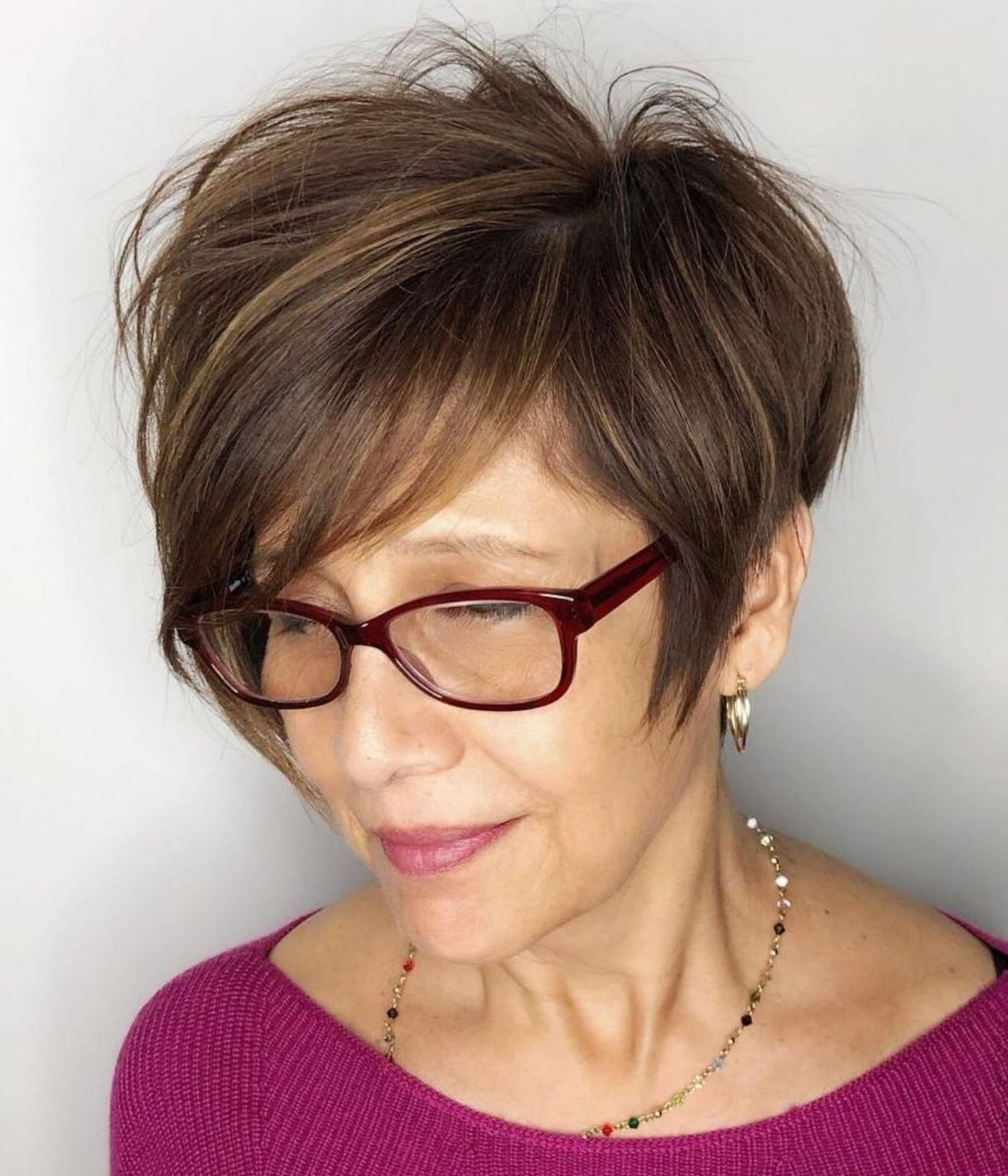 Trendy Short Haircut Styles for Women Over 50 (Updated 2021) 094844a8d1122df888e36347ad98ab87