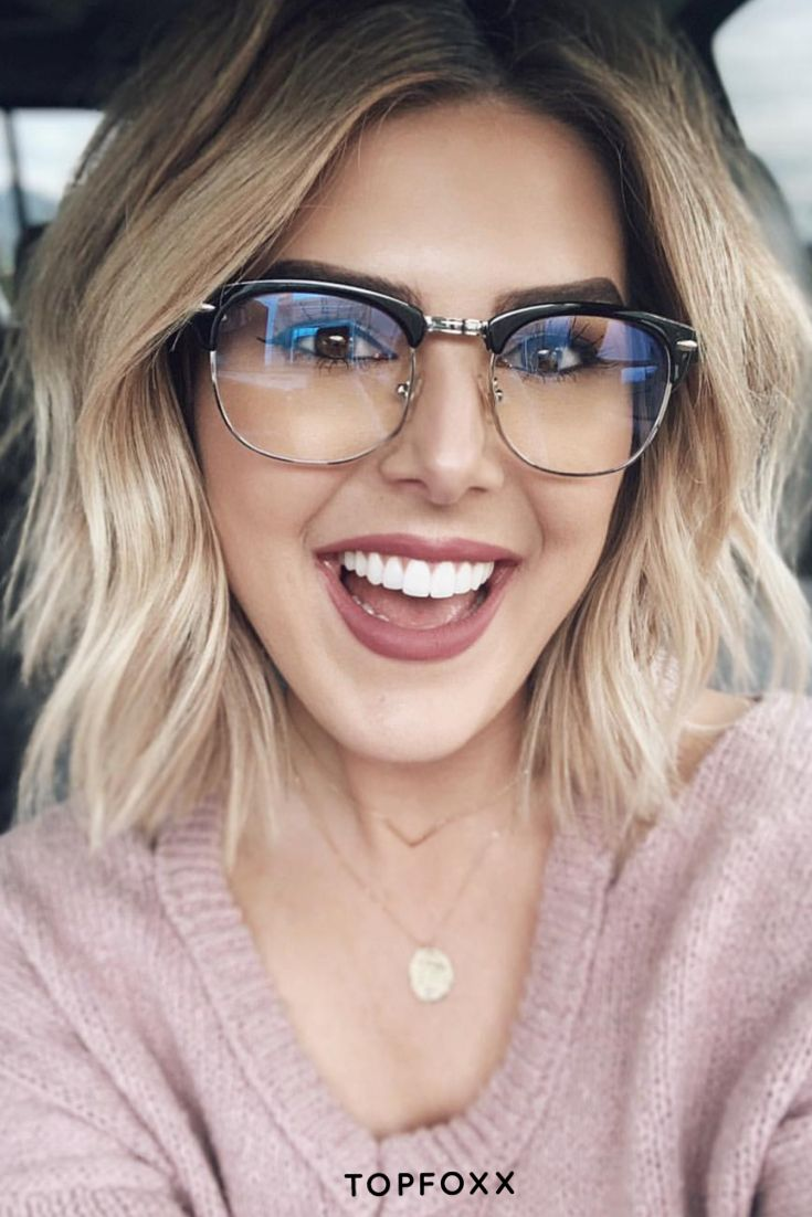 21 Short Hairstyles for Women with Grey Hair and Glasses (Updated 2021) 1312d29e889173abdbe31a8c05ca8f2f
