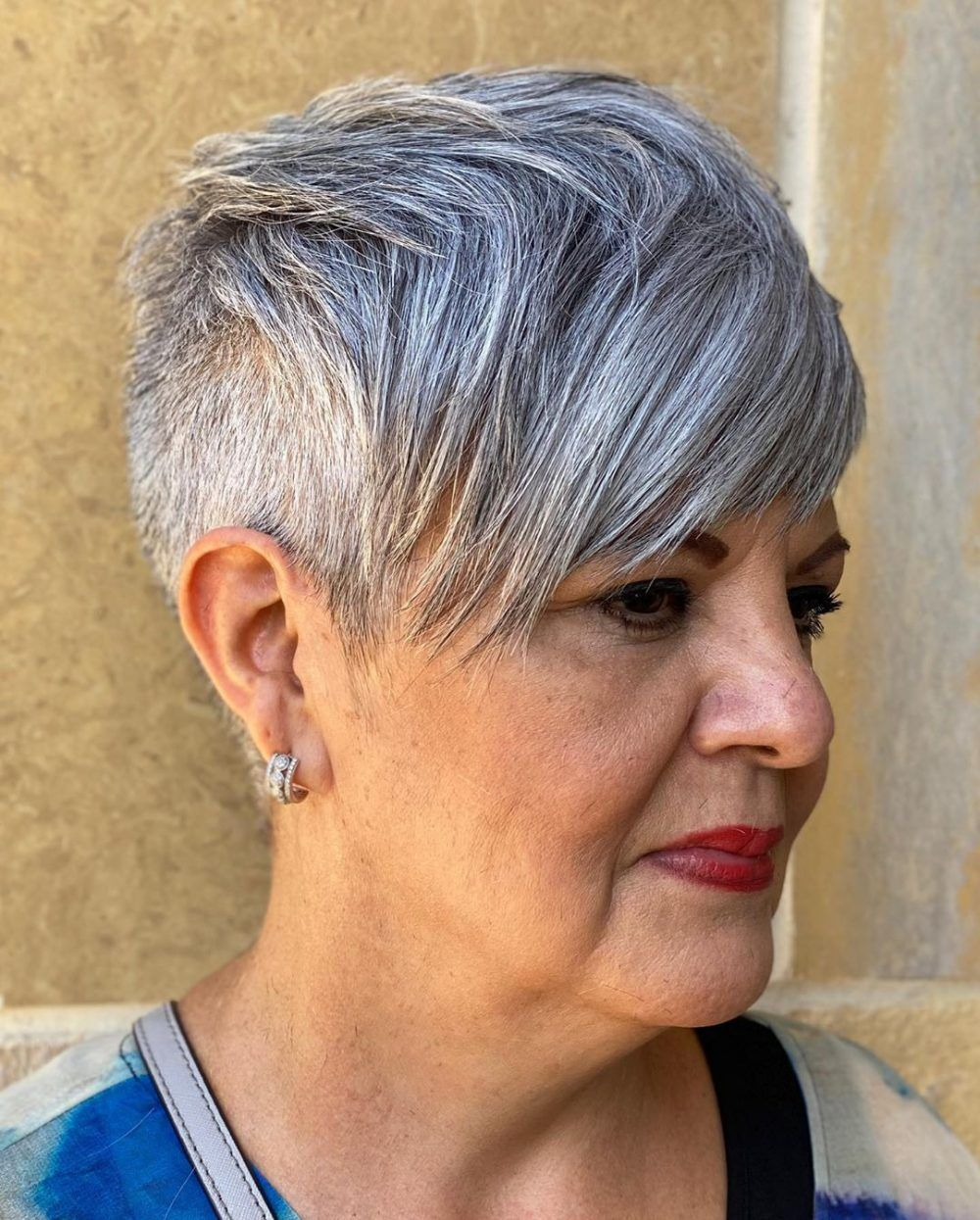 Timeless Short Layered Haircuts that Gorgeous for Older Ladies(Update 2021) 22442bc60141f466b3485f958bb3f812