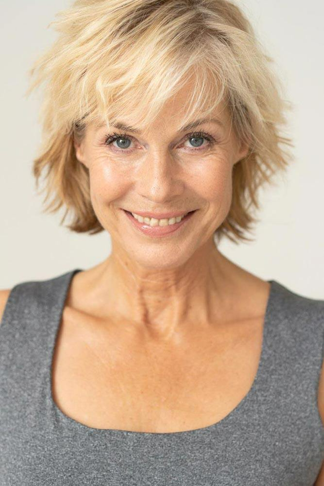 10 Short Hairstyles for Women Over 60 to Look Younger in 2021 276ac06f2aa427bbf59159522d5c4af7