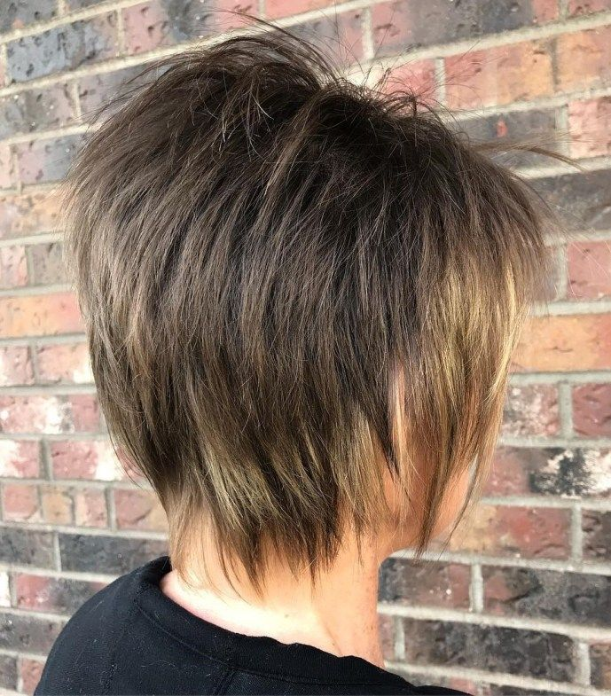 Timeless Short Layered Haircuts that Gorgeous for Older Ladies(Update 2021) 2e5483c271eabb73cf0b36f868c48904
