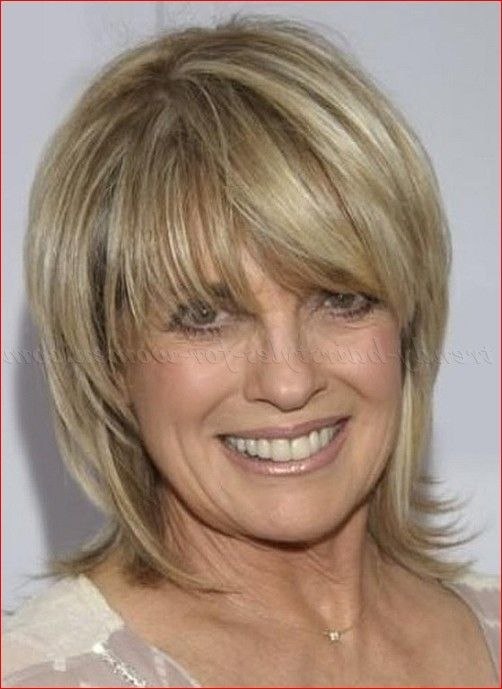 Timeless Short Layered Haircuts that Gorgeous for Older Ladies(Update 2021) 39e4f95ec55fc8e657f32d9b42d56dcf