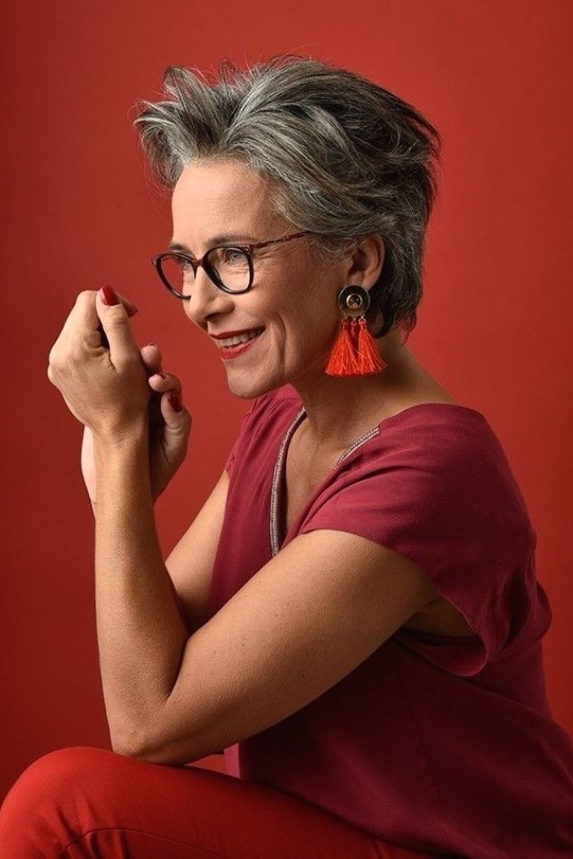 21 Short Hairstyles for Women with Grey Hair and Glasses (Updated 2021) 4a3a4af45a82f9557147bb554160c6ae