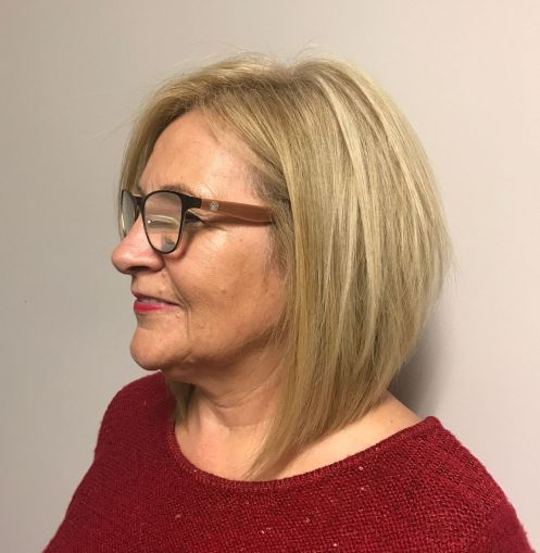 21 Short Hairstyles for Women with Grey Hair and Glasses (Updated 2021) 6ff1227879703c4ba4286781c1ed30c2