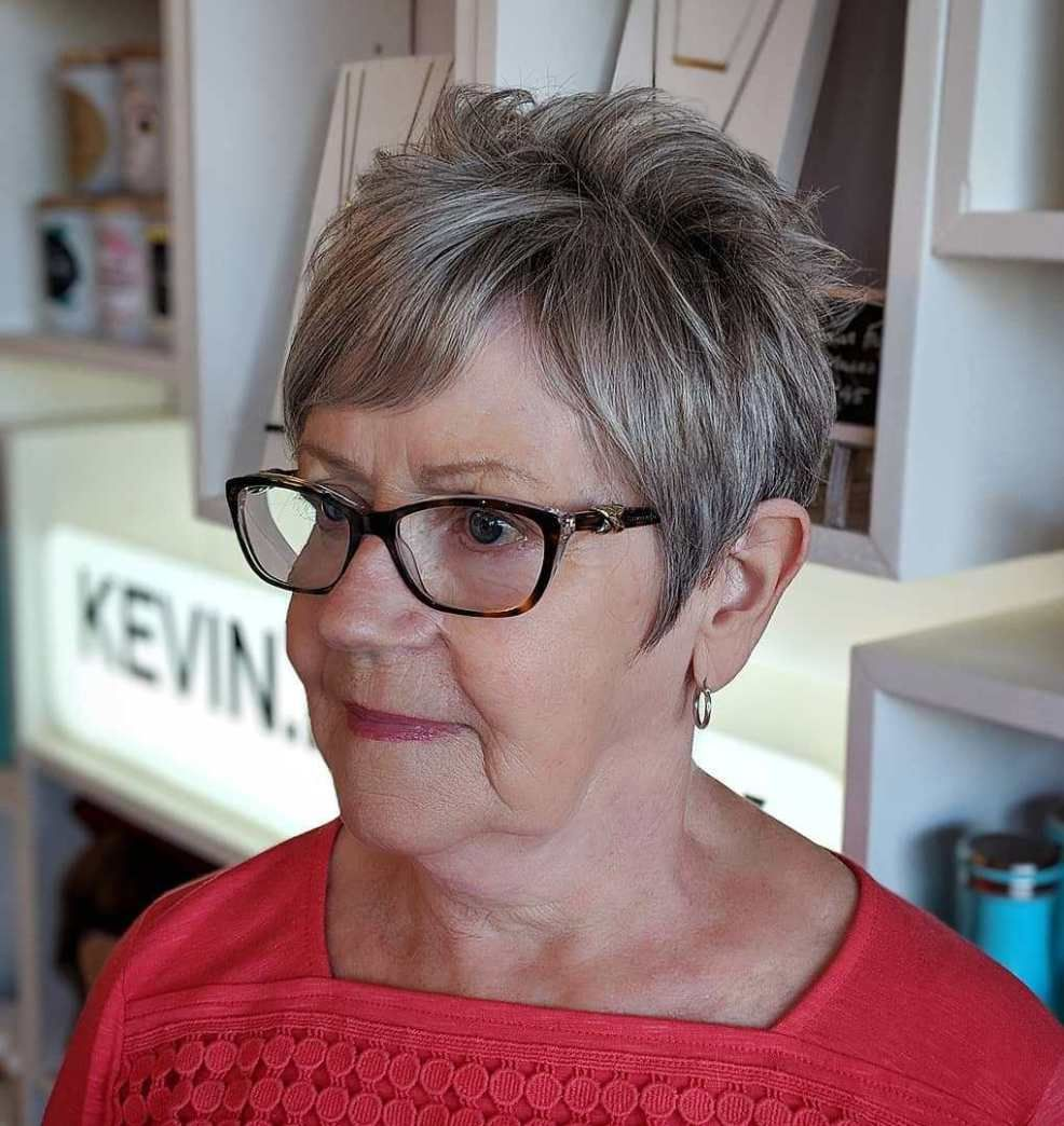 21 Short Hairstyles for Women with Grey Hair and Glasses (Updated 2021) 7910b5738294e1daddee462cfdf23ada
