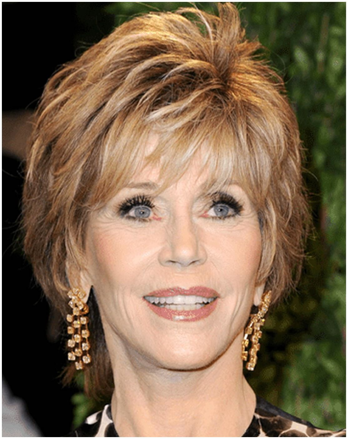 10 Short Hairstyles for Women Over 60 to Look Younger in 2021 7f14bb2e2fe6e4f98b1cd06865354c01