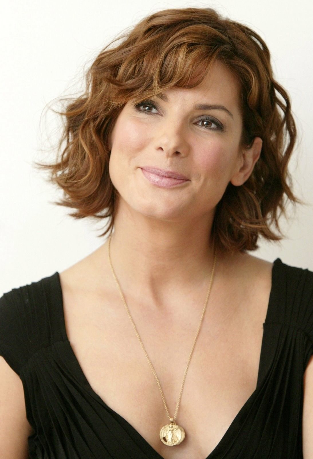 Inspiring Short Hairstyles for Older Women (Updated 2021) 82cbef245c27b00c12429eaf22e7cecf