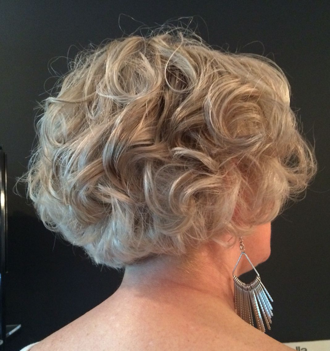 Look Fresh with Short Layered Haircuts for Older Women (Updated 2021) 8aa859d4c7a82070b8329979b2395d81