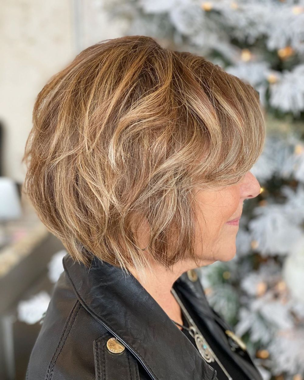 Looks Great in 60s with Cute Short Layered Haircuts (Updated 2021) b01a8794047a0e3d22a65ddcf686995a