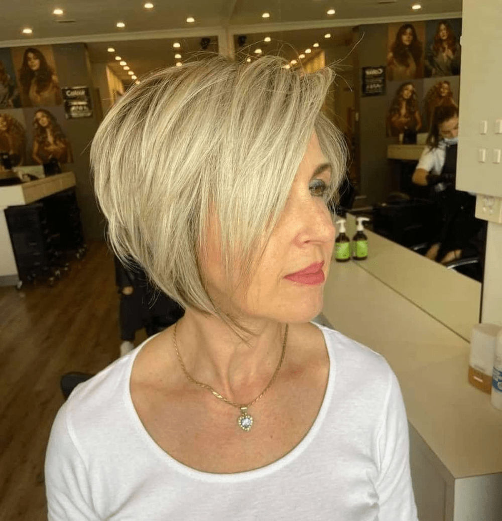 Timeless Short Layered Haircuts that Gorgeous for Older Ladies(Update 2021) b24e06f92f471ebaae18ddc6698174ca