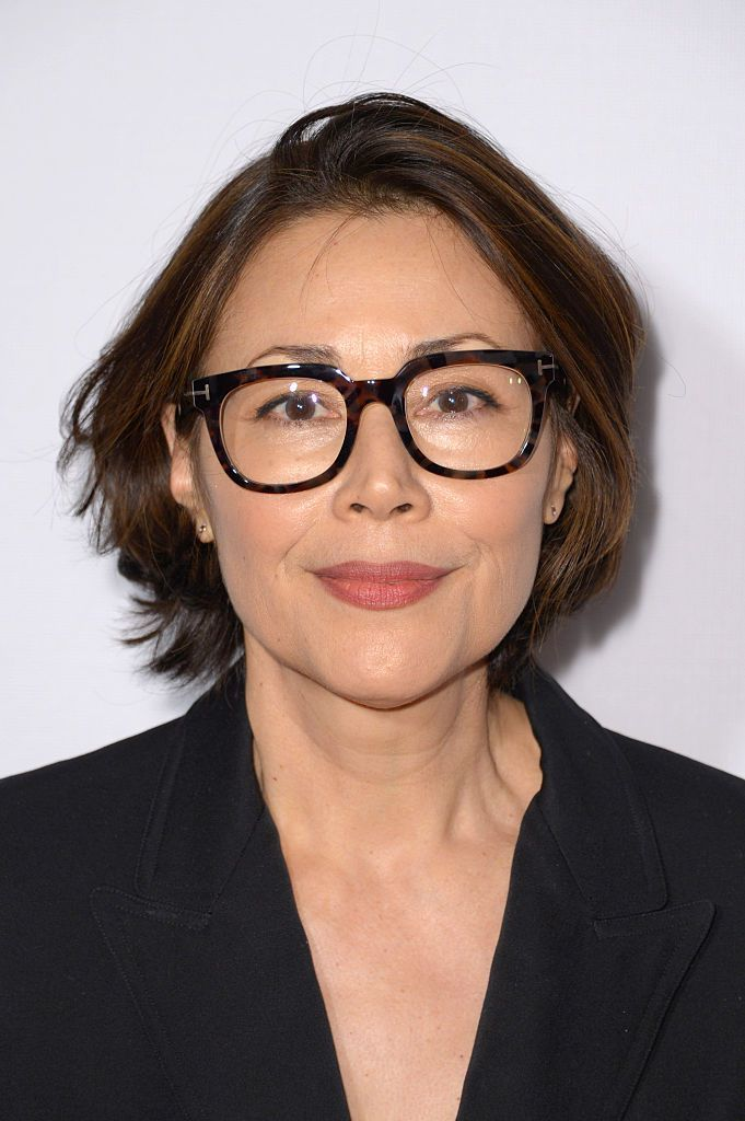 21 Short Hairstyles for Women with Grey Hair and Glasses (Updated 2021) d7aa90e049bf767992e74b7a9f58d8e9