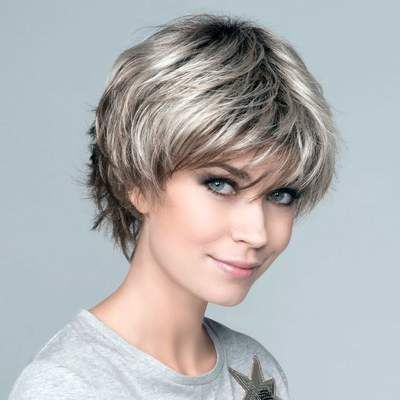 Timeless Short Layered Haircuts that Gorgeous for Older Ladies(Update 2021) ebd8e6ebe4046dae95603a21a1ebd33a