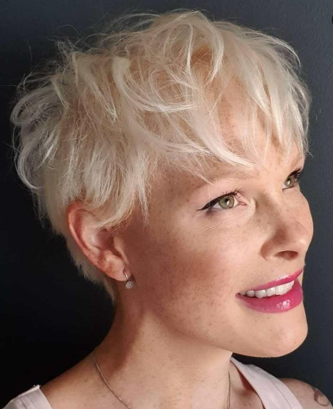 Latest Short Hairstyles for Women Over 50 (Updated 2021) 8412ca3566b9e3171d717e0d0729239e