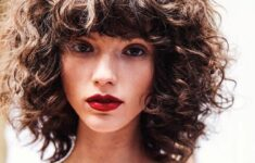 Shoulder Length Curly Hairstyle with Bangs Easiest Short Curly Hairstyles Ideas 1